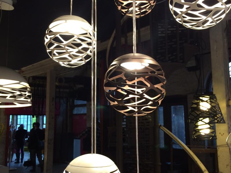 Suspension boule black e27 60w collection lighting lumix for Lustre boule noir