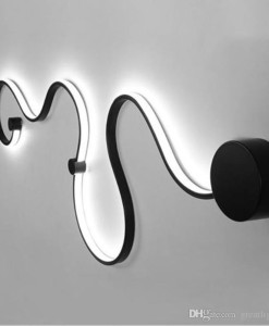 creative-acrylic-curve-light-snake-led-lamp